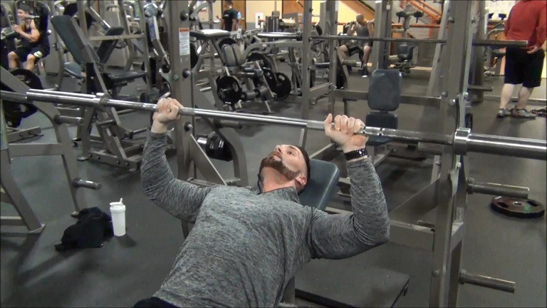 Incline Barbell Bench Press_Moment